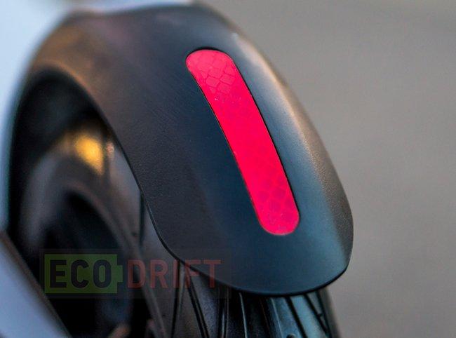 задняя фара электросамоката NineBot KickScooter Es2